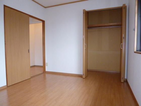 寝室洋室6帖