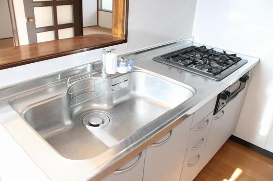 キッチンお料理しやすいシステムキッチンです
