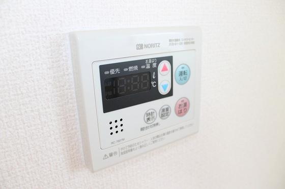 設備給湯スイッチがあれば温度調節も楽々ですよね♪