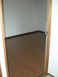居間和室から見たDK