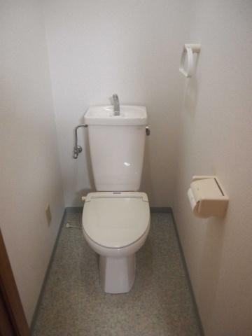 トイレ清潔感のあるトイレです。