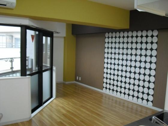 洋室床フロアタイル貼り