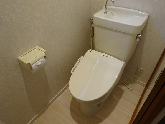 トイレウォシュレット新規設置致しました