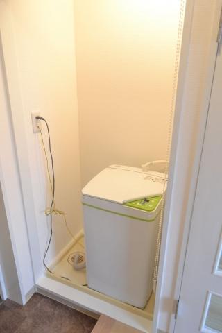 設備室内洗濯機置場 洗濯機付
