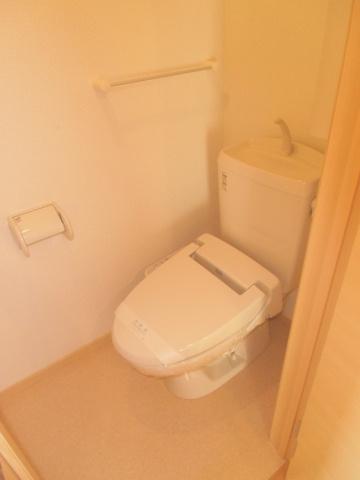 トイレウォシュレット付きのトイレ
