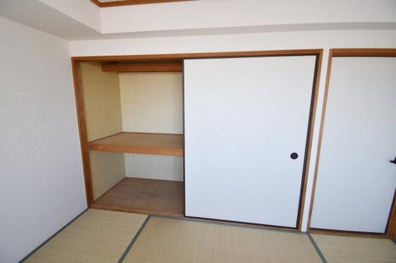 収納もちろん収納スペースも確保。