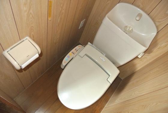 トイレなんとウォシュレット完備です。