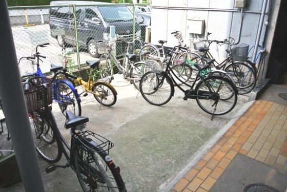 共有部分専用の駐輪場があります。