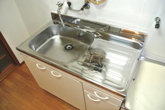 キッチン清潔感がある水回りですね。