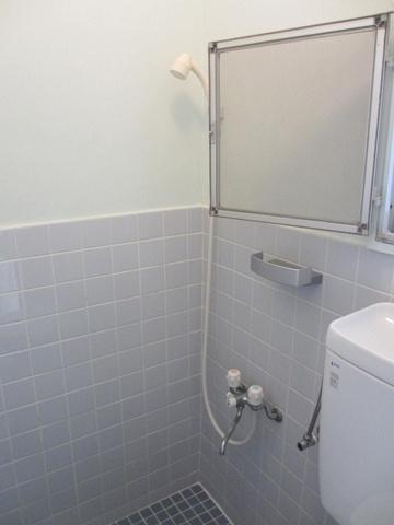 浴室シャワールームです