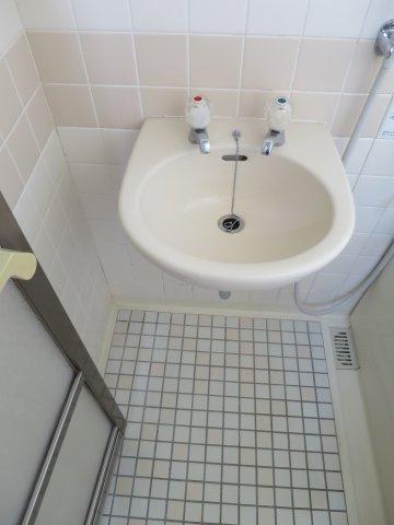 洗面所忙しい朝には欠かせない洗面所です