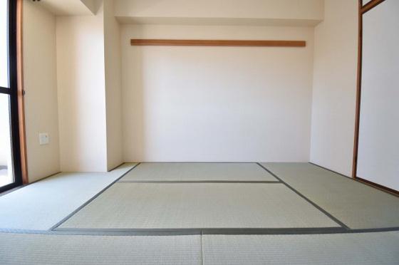 内装畳のお部屋は落ち着きますね。