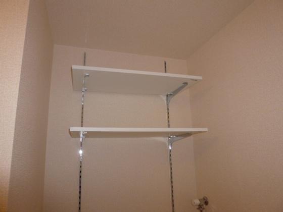 洗面所洗濯機置場棚