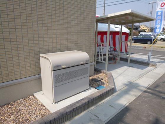 共有部分敷地内専用ゴミステーション、駐輪場