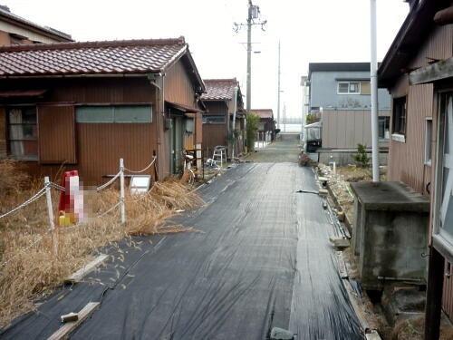前面道路含む現地写真前面道路