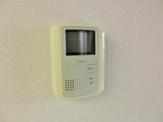 設備TVモニターホンで来訪者をチェックできます