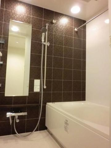 浴室シックなバスルーム。