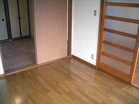 居間東向き和室4.5畳