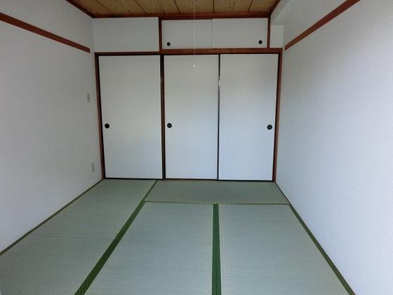 和室和室をバルコニー側から