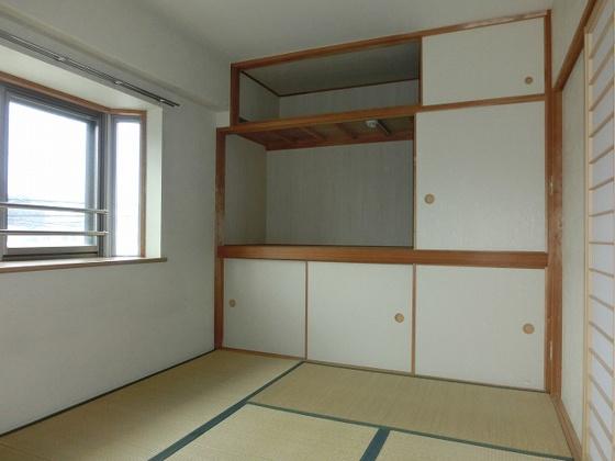 和室6畳の和室 大容量の押し入れ収納が自慢です
