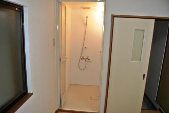 浴室快適なシャワールーム完備