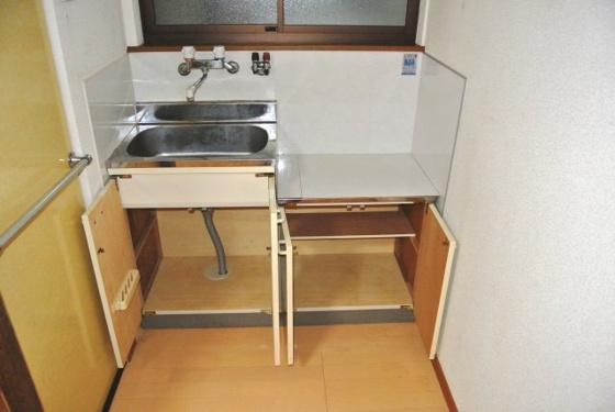 収納キッチン下部には機能的な収納