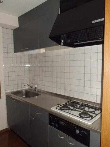 キッチン3口ガスコンロ・グリル付のシステムキッチン