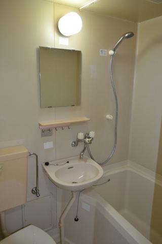 浴室三点ユニットバス メタルシャワーヘッド、ホース交換済み