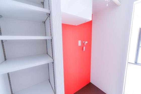 キッチンキッチン・可動式収納棚・洗濯機置場