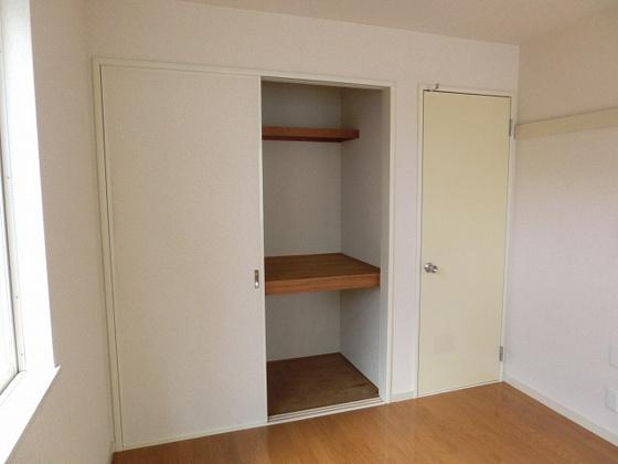 収納6帖洋室の収納スペース