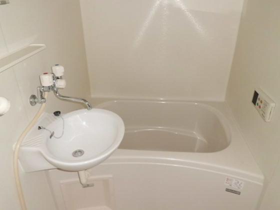 浴室洗面台付です