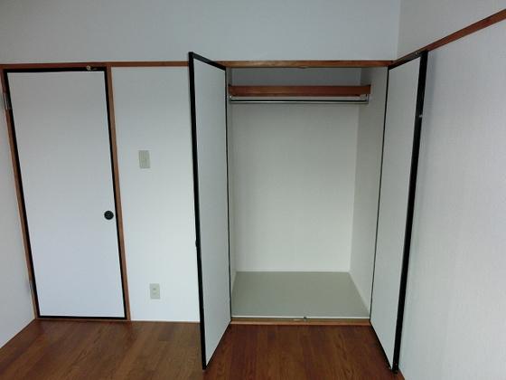 洋室洋室の収納