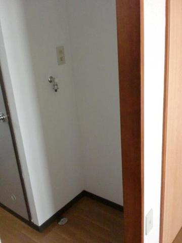 設備室内洗濯機置場もついてます!