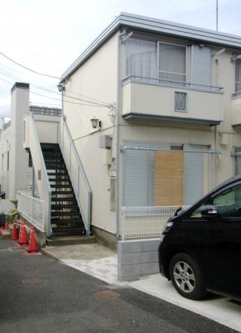外観神宮前のアパート【コーポ井上】