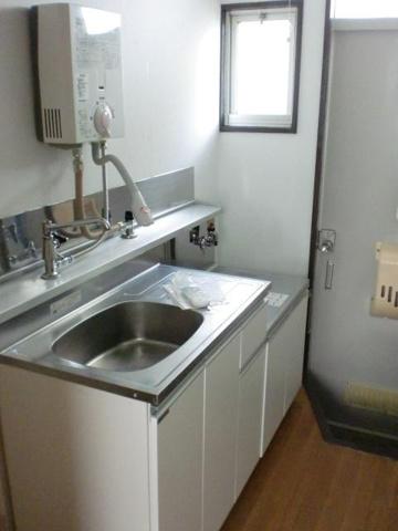 キッチン2口コンロ設置可の大きめのキッチンで料理もはかどります
