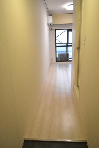 内装玄関から廊下
