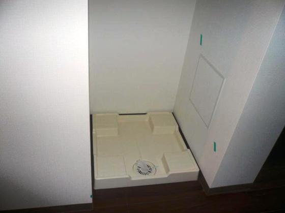 その他アンジェラ神宮前 同タイプ別室・室内 洗濯機置場