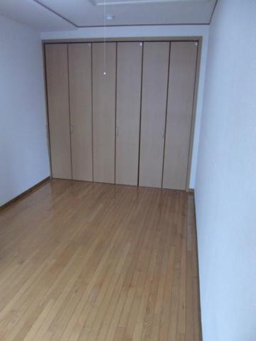 寝室5.5帖の寝室