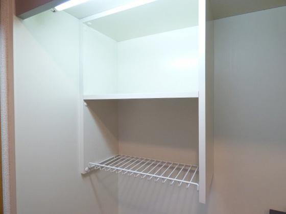 その他キッチン上部にも収納がありますよ。