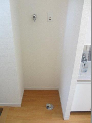 設備室内洗濯機置場