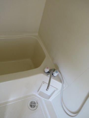 浴室コンパクトで使いやすいお風呂です