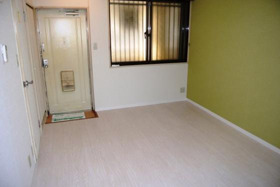 居間シンプルで使いやすいお部屋。