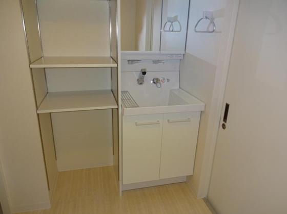 洗面所秀和第2北青山レジデンス 独立洗面台・棚