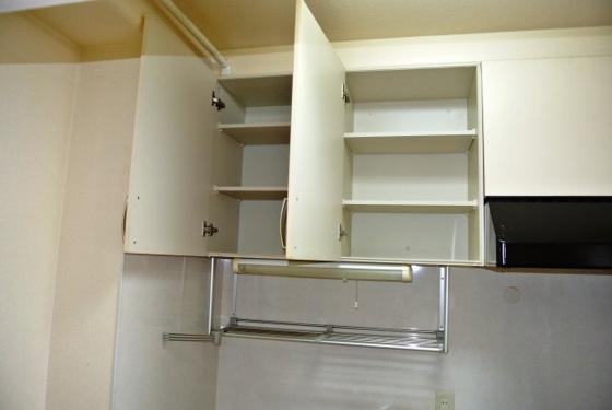 その他キッチン上部の収納です。