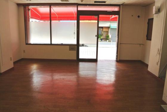内装店舗内部・開放感があります。