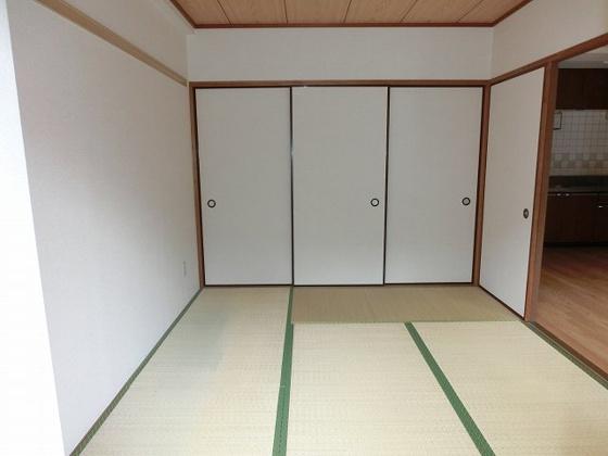 収納6帖和室の押入