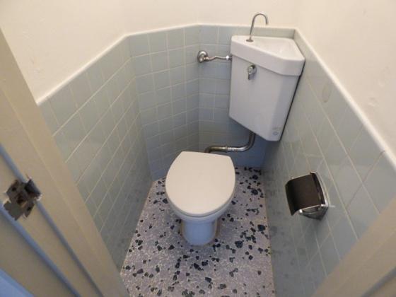 トイレお手入れしやすいトイレです。