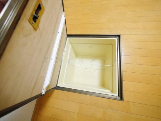 設備床下収納です
