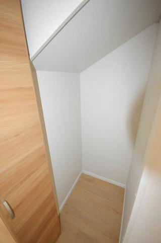 その他1号棟階段下収納です!