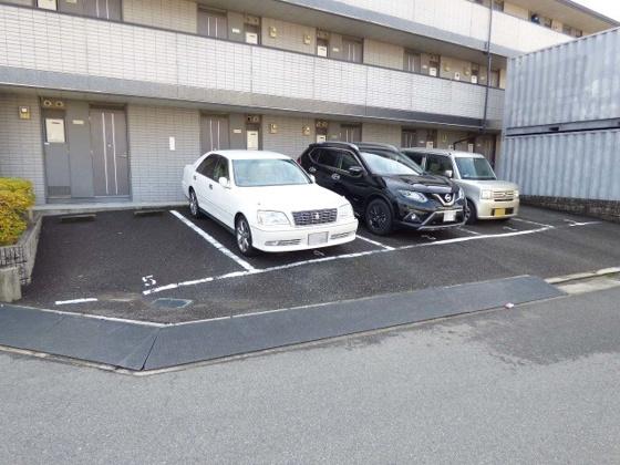 駐車場安心の敷地内駐車場もあります。